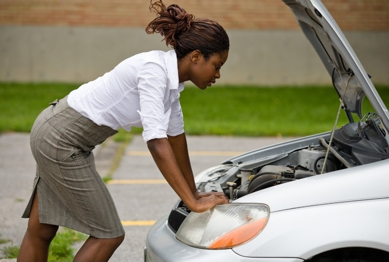 car insurance - routine vehicle maintenance tips