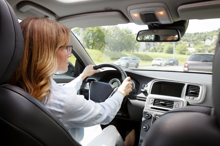 safe driving can help you save on car insurance with wireless device
